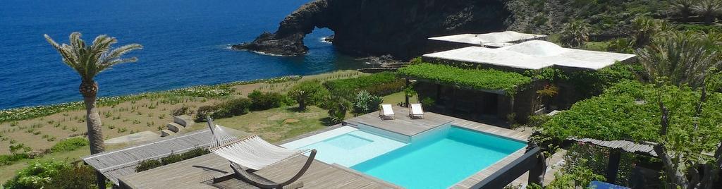 Dammuso l 39 antica casa nuova raffinata eleganza in una posizione straordinaria pantelleria - Dammusi con piscina pantelleria ...
